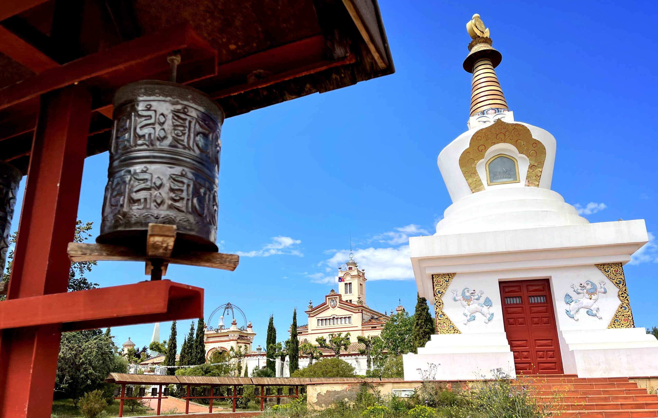 Audio Binaural: Visita guiada por el Monasterio Budista del Garraf